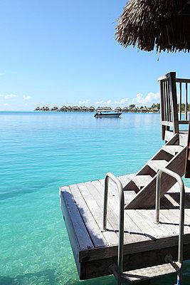 Holiday resort - p0453045 by Jasmin Sander