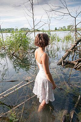 Erfrischung im Wasser - p171m1159006 von Rolau