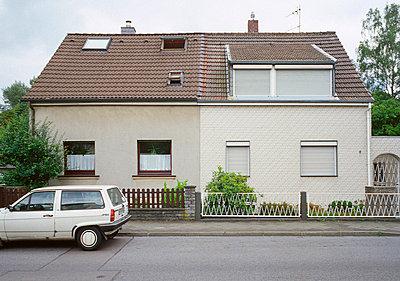 Doppelhaushälfte - p2560175 von Anton Badin