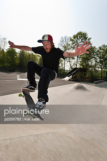 Skateboard fahren - p2200782 von Kai Jabs