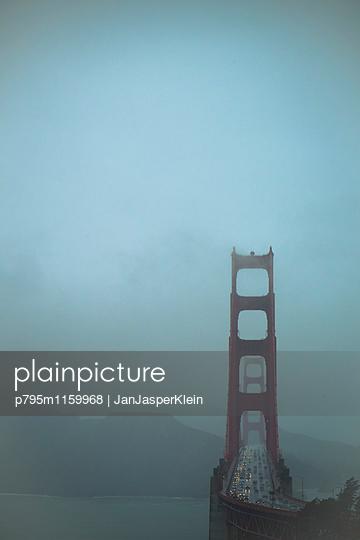 Golden Gate Bridge - p795m1159968 von Janklein