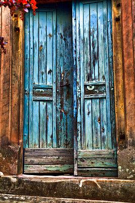 Wooden door - p958m1031558 by KL23