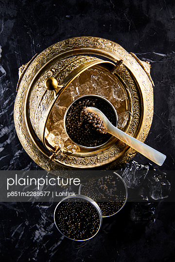 Caviar, close-up - p851m2289577 by Lohfink