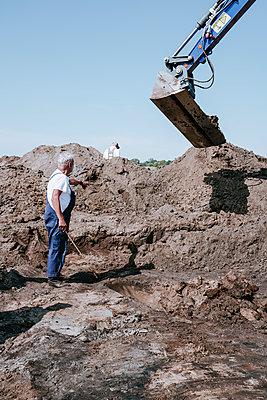 Deutschland, Niedersachsen, Vechta, Archäologische Ausgrabung - p1085m2203558 von David Carreno Hansen