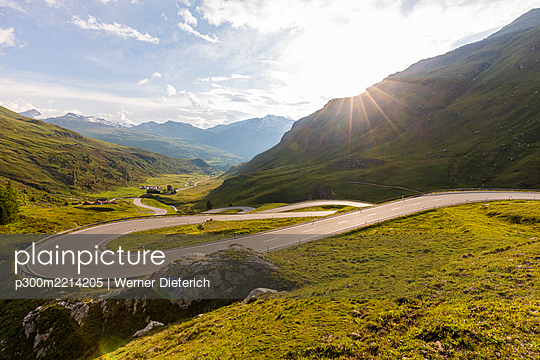Switzerland, Canton of Grisons, Julier Pass at sunset - p300m2214205 by Werner Dieterich