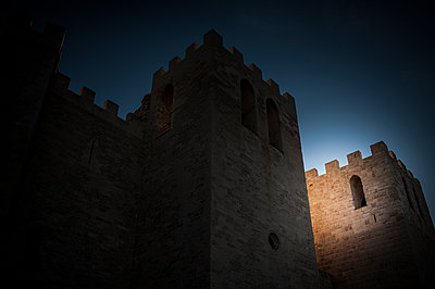 Sunlight in a castle - p1007m1134128 by Tilby Vattard