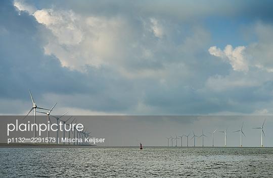 Offshore wind farm - p1132m2291573 by Mischa Keijser