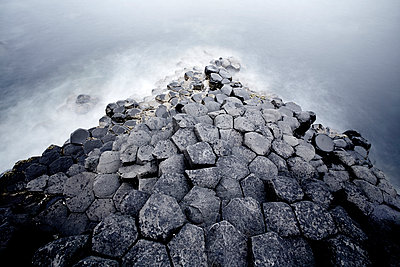 Giant's Causeway - p719m944598 von Rudi Sebastian