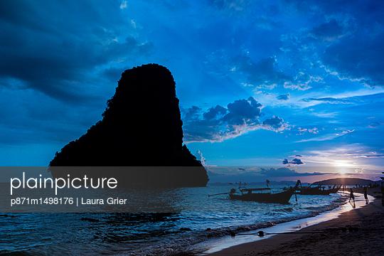 p871m1498176 von Laura Grier