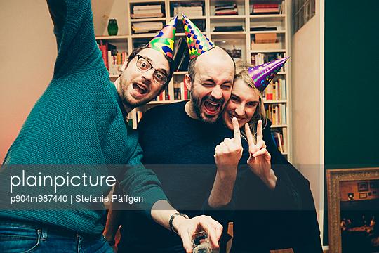 Party - p904m987440 von Stefanie Päffgen