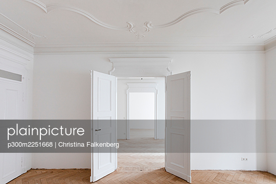 Open doors in new renovated home - p300m2251668 by Christina Falkenberg