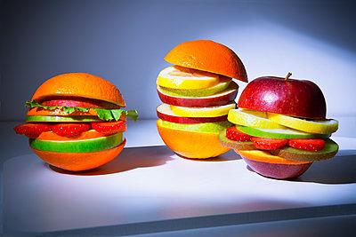 Veggie burger - p1149m2089344 by Yvonne Röder