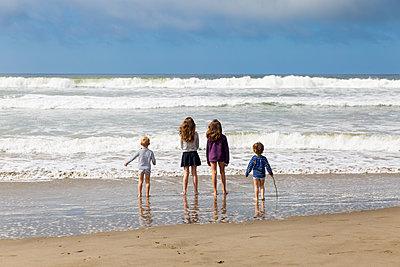 Kinder am Stinson Beach - p756m2057692 von Bénédicte Lassalle