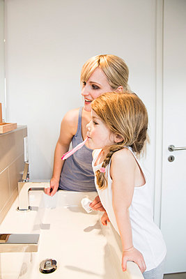 Mother and daughter - p904m789375 by Stefanie Päffgen