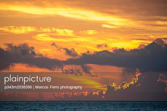 p343m2038396 von Marcos Ferro photography