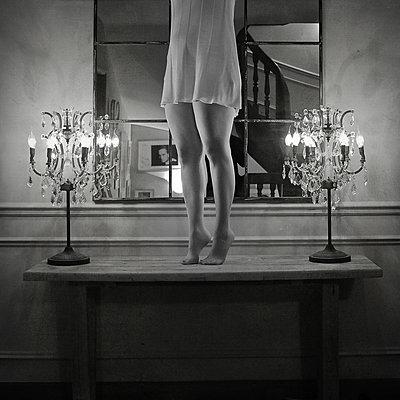 Auf dem Tisch tanzen - p567m992251 von Sébastien Tabuteaud