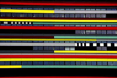 Bunte Fassade - p1268m1149123 von Mastahkid