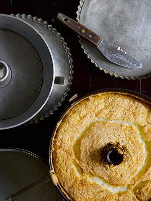 Angel Food Cake - p1379m1573774 von James Ransom