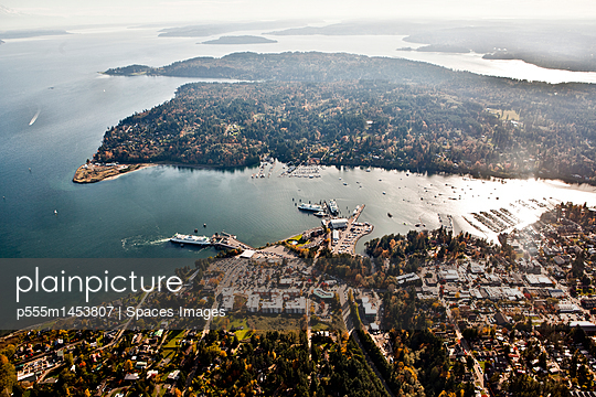Ferry Docked At Bainbridge Island Terminal - p555m1453807 by Spaces Images