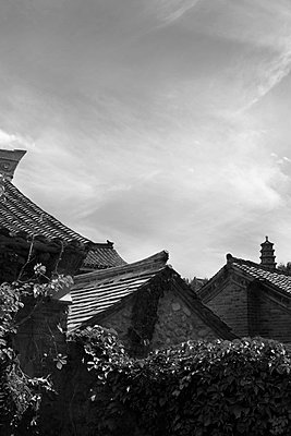 China, Gubeikou, Roofs - p817m2203220 by Daniel K Schweitzer
