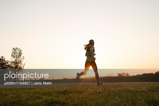 Running - p608m1164907 von Jens Nieth