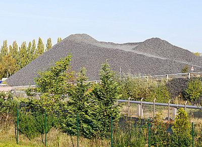 Burden dump - p1043m779491 by Ralf Grossek
