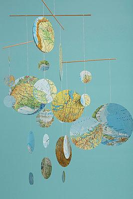 Globales Gleichgewicht - p454m1030917 von Lubitz + Dorner