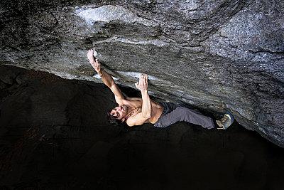 Climbing - p0460792 by Hexx