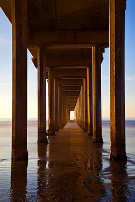 Scripps Pier - p1399m1528890 by Daniel Hischer
