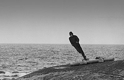 Figure of soldier on the waterfront - p1418m1571458 by Jan Håkan Dahlström