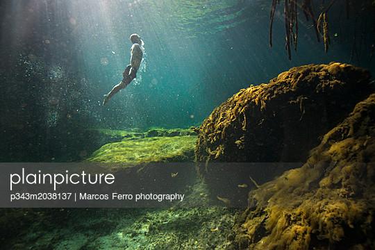 p343m2038137 von Marcos Ferro photography
