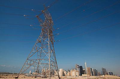Strommast, Dubai, Vereinigte Arabische Emirate - p1316m1160657 von Harald Eisenberger