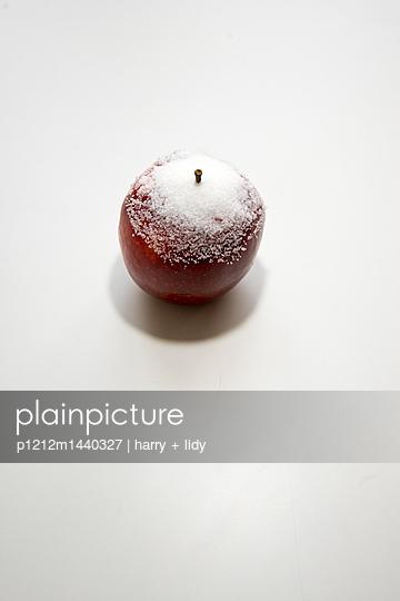 Apfel mit Zucker - p1212m1440327 von harry + lidy