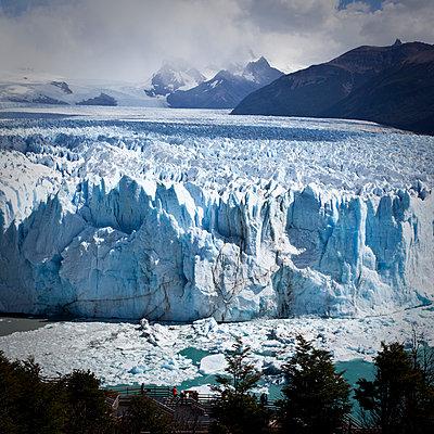Perito Moreno glacier from above - p1513m2039100 by ESTELLE FENECH