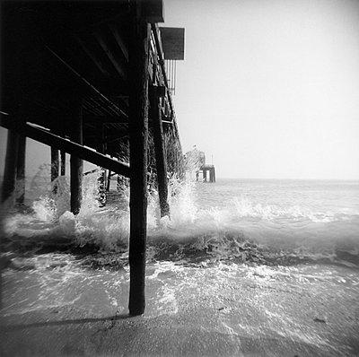malibu pier - p627m672211 by Jonas Maron