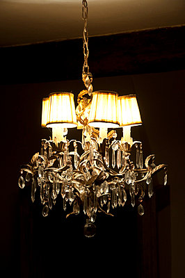 Chandelier - p6460351 by gio
