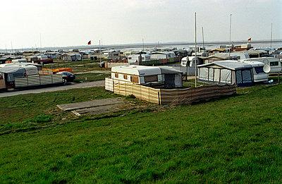 Caravan - p1120272 by AMI