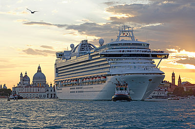 Cruise liner in Venice - p1292m1122899 by Niels Schubert