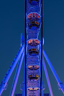 Ferris wheel - p401m2210766 by Frank Baquet