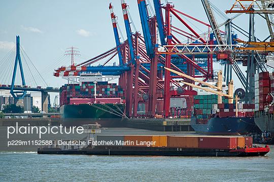 Hamburger Hafen - p229m1152588 von Martin Langer