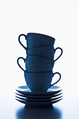 Stacked cups - p1149m2125281 by Yvonne Röder