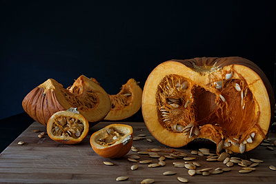 Small Pumpkin Still LIfe - p1262m1184873 by Maryanne Gobble