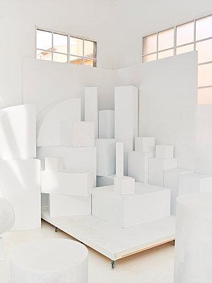 White cubes - p885m1424898 by Oliver Brenneisen