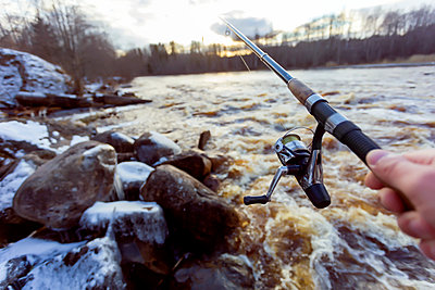 Angler am Flussufer - p1108m1355554 von trubavin