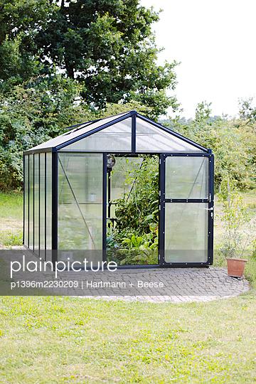 Gewächshaus im Garten - p1396m2230209 von Hartmann + Beese