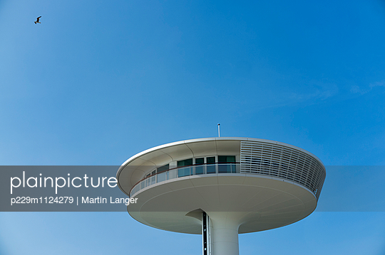 Lighthouse - p229m1124279 von Martin Langer