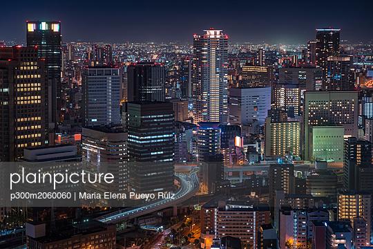 Japan, Osaka, Aerial view at night - p300m2060060 by Maria Elena Pueyo Ruiz