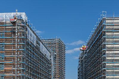 Major building site - p401m2179215 by Frank Baquet