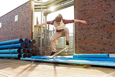 Skateboarder - p608m901232 by Jens Nieth