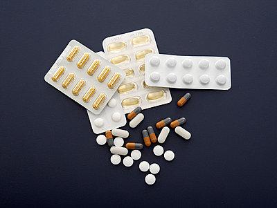 Tablettenpackungen  - p6430247f von senior images RF